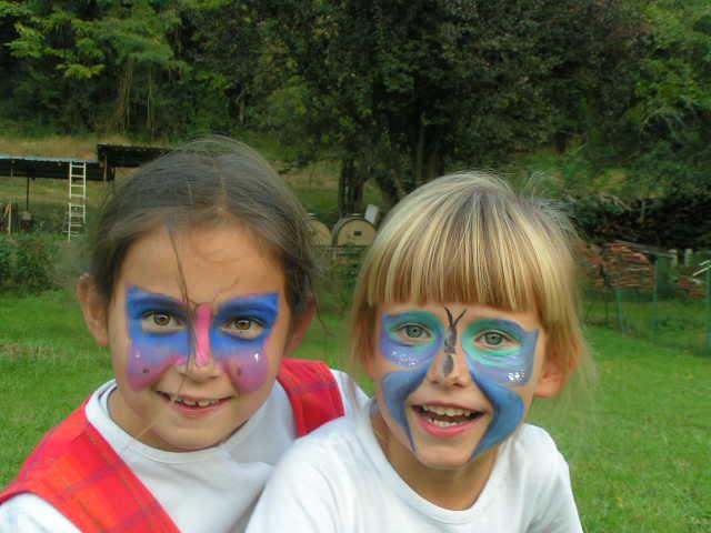 deux filles maquillées